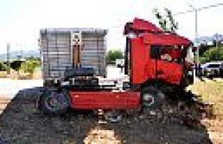 Kahramanmaraş'ta hemzemin geçitte kaza: 1 ölü...