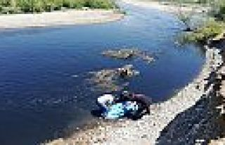 Kahramanmaraş'ta nehri geçmeye çalışırken...