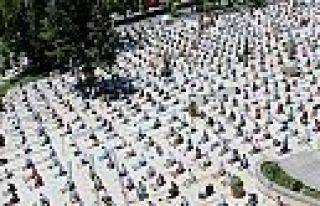 Kahramanmaraş'ta pandemi sürecinde ilk namaz kılındı