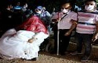 KMBB'den düğün yapan engelli çiftte gelin arabası