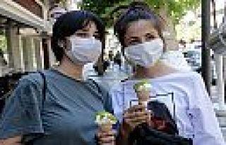 MADO'dan YKS'ye giren öğrencilere dondurma ikramı