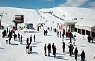 Yedikuyular Kayak Merkezi yolu kapandı