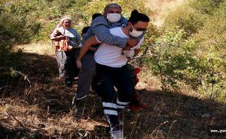 Hastayı 1 kilometre sırtında taşıdı