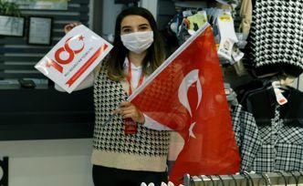 10 Bin Türk bayrağı dağıtıldı