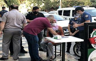 Dolandırıcılardan 24 bin lirayı polis kurtardı