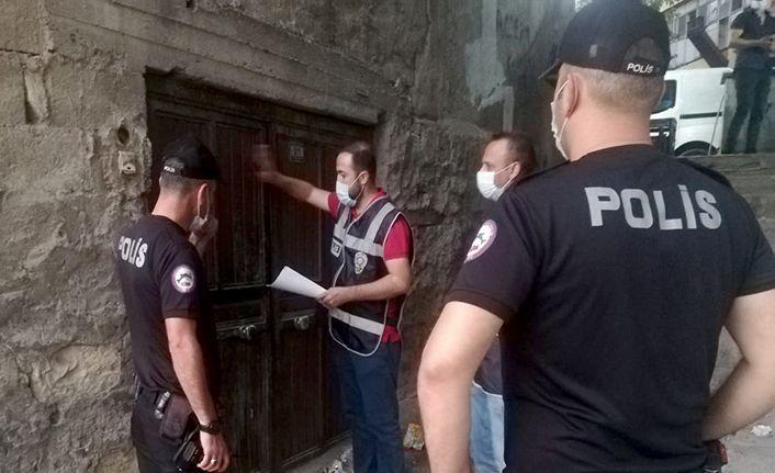 Aranan 32 kişi tutuklandı